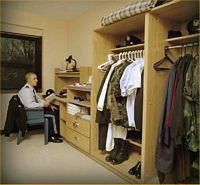 Dorm_Room.jpg (33082 bytes)